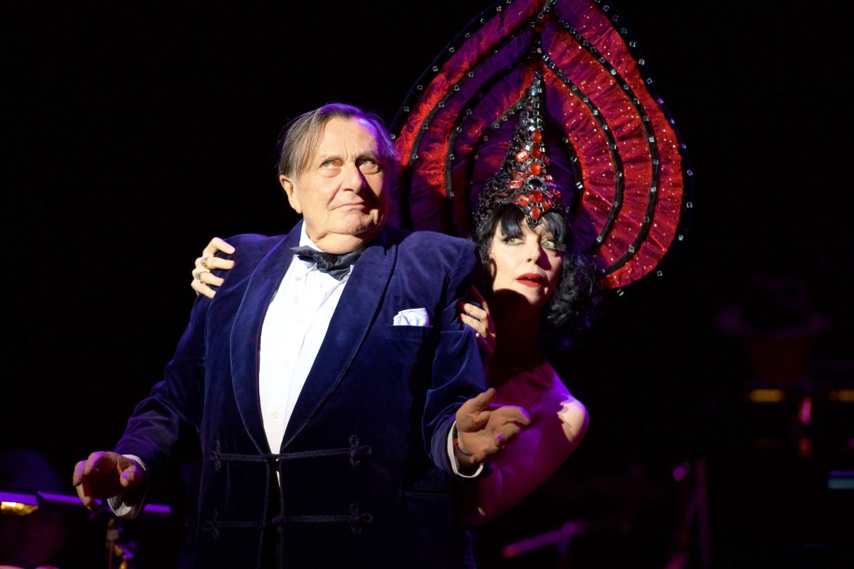 Barry Humphries, the Nazis and the revealing generation gap